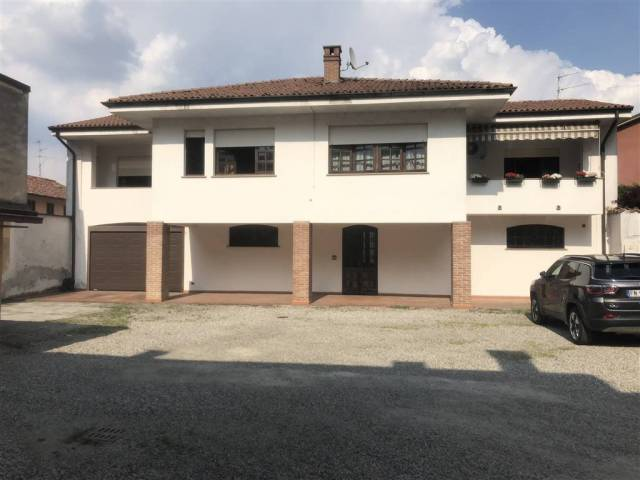 Casa Indipendente in ottime condizioni in vendita Rif. 6536727