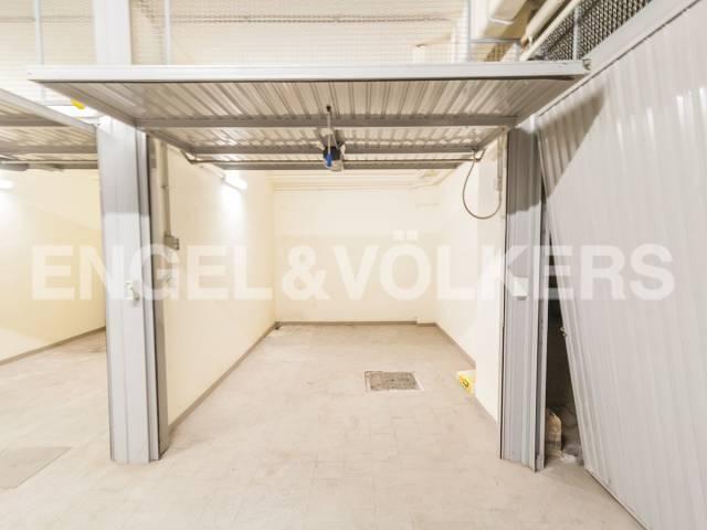 Posto-box auto in Vendita a Roma 03 Trieste / Somalia / Salario: 14 mq