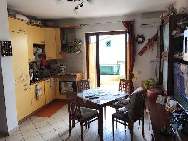 Appartamento in buone condizioni in vendita Rif. 6536570