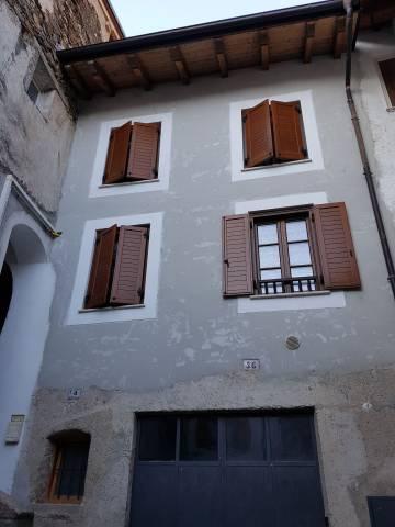 Appartamento in buone condizioni arredato in affitto Rif. 6539947
