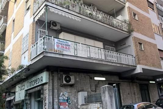 Appartamento in vendita 4 vani 126 mq.  corso Amedeo di Savoia Duca d'Aosta 218 Napoli