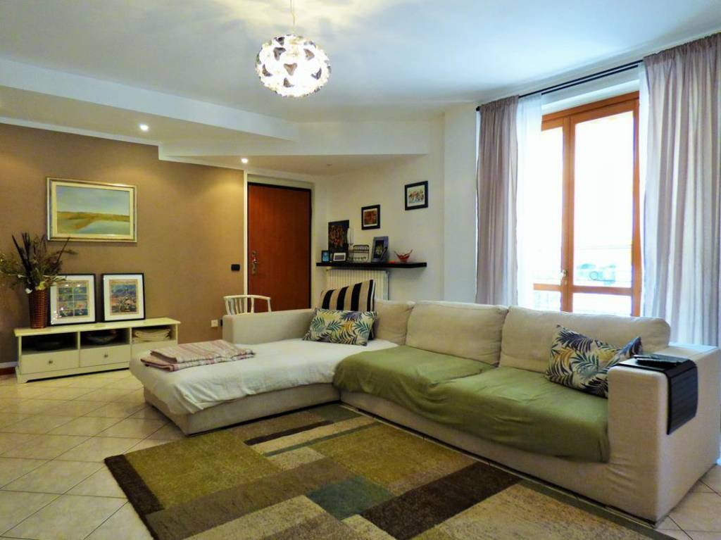 Appartamento in ottime condizioni in vendita Rif. 6536478