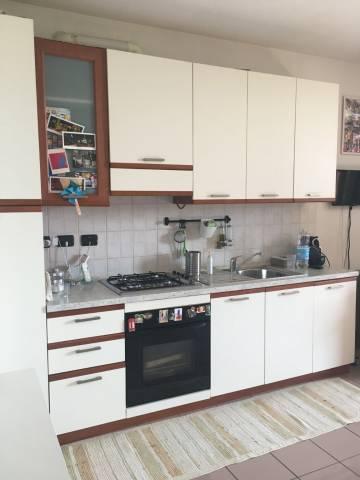 Appartamento in ottime condizioni arredato in affitto Rif. 6506456