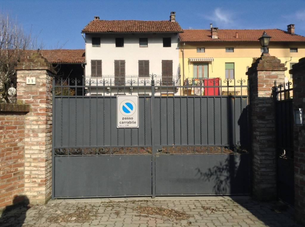 Foto 1 di Rustico / Casale via 4 Novembre, Trofarello