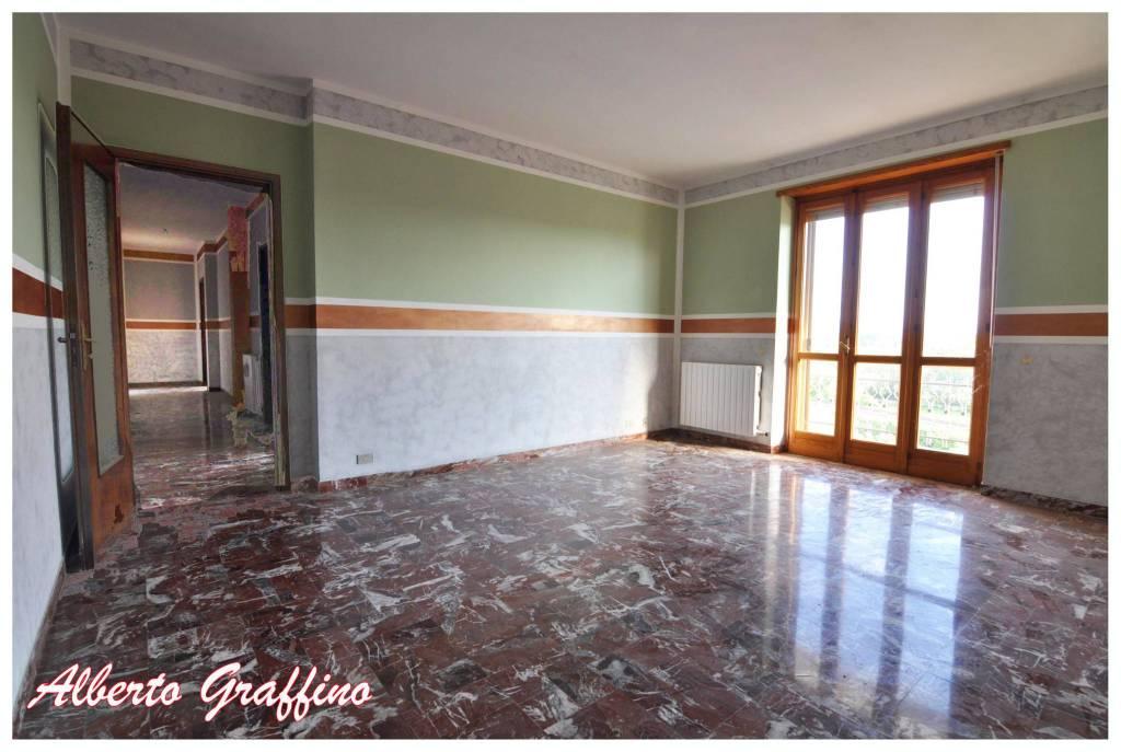 Appartamento in vendita a San Benigno Canavese, 6 locali, prezzo € 165.000 | CambioCasa.it
