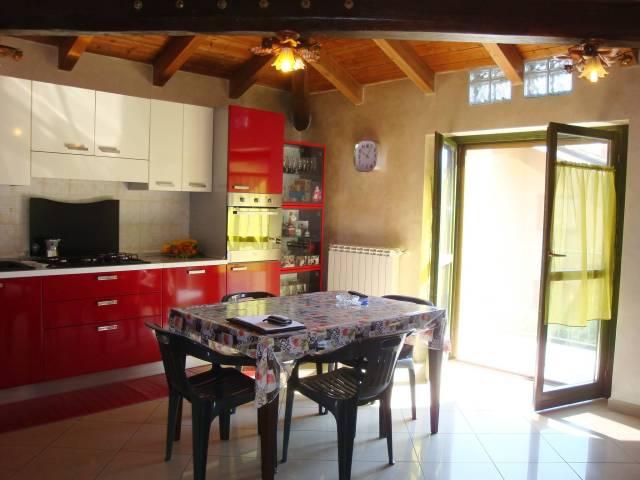 Appartamento in ottime condizioni in vendita Rif. 6537955