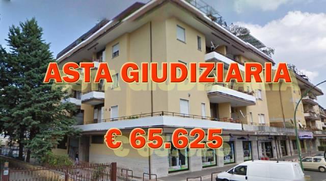 Appartamento in buone condizioni in vendita Rif. 6551799