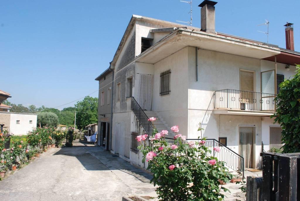 Casa Indipendente da ristrutturare in vendita Rif. 6538708