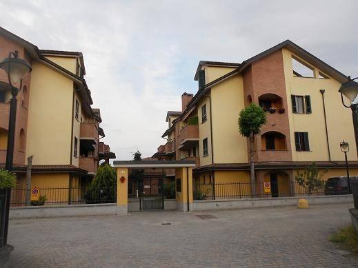 Appartamento in ottime condizioni in vendita Rif. 7890261