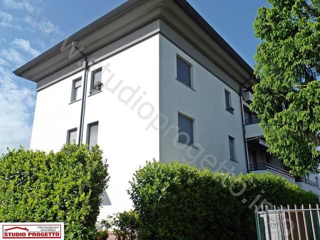 Appartamento in ottime condizioni parzialmente arredato in vendita Rif. 6072294