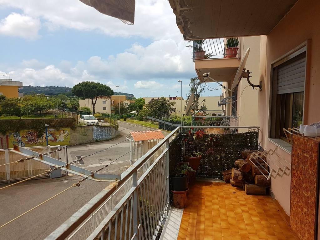 Appartamento in buone condizioni parzialmente arredato in vendita Rif. 6549459