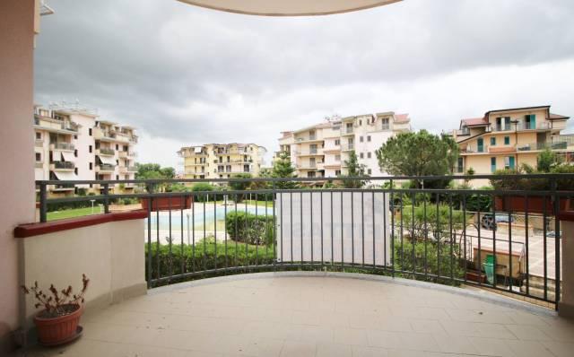 Appartamento in buone condizioni in affitto Rif. 6548960