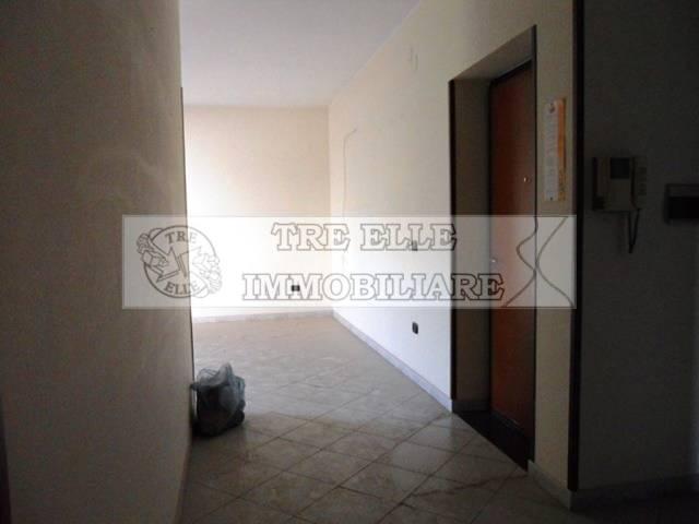 Appartamento in buone condizioni in affitto Rif. 6554250