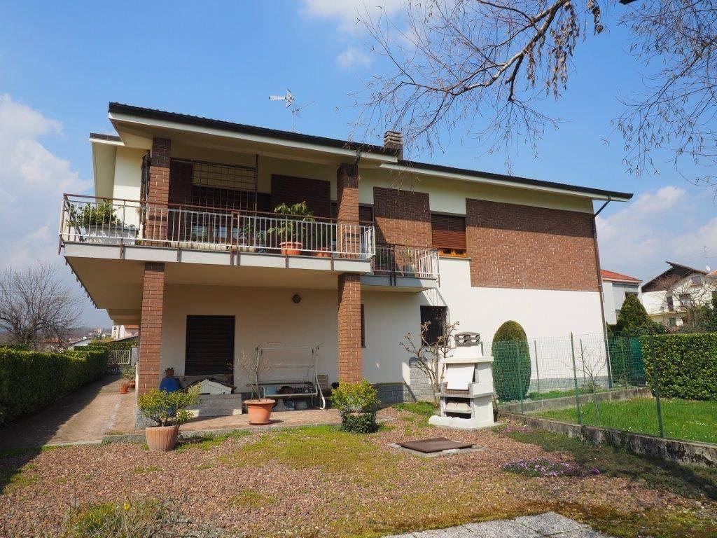 Casa Indipendente in buone condizioni in vendita Rif. 6548979