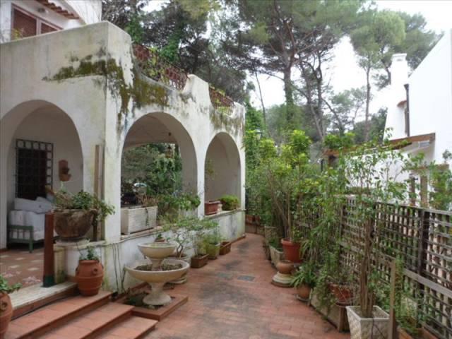 Villa in Vendita a Lecce: 4 locali, 120 mq