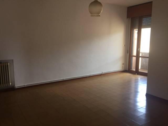 Appartamento da ristrutturare in vendita Rif. 6551263