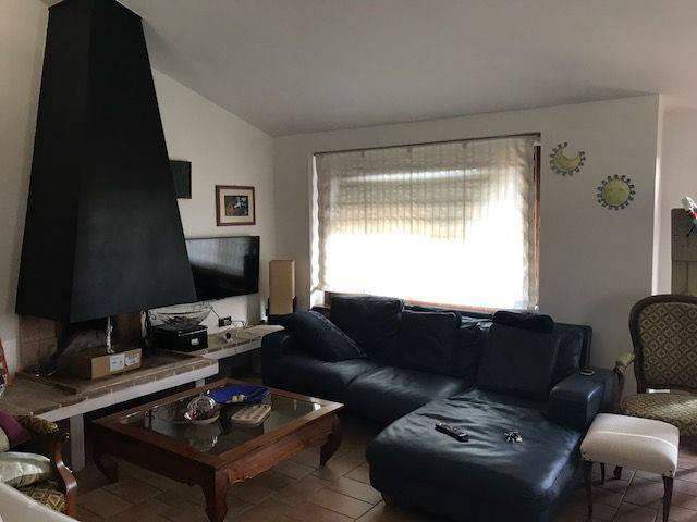 Villa 6 locali in vendita a Stroncone (TR)