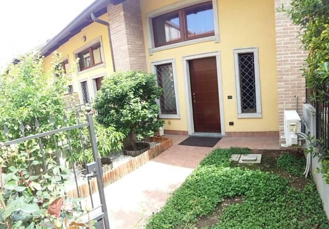 Appartamento in ottime condizioni arredato in affitto Rif. 6549016