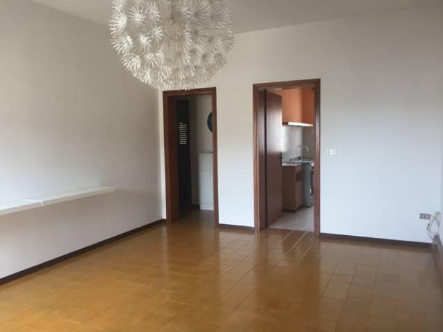 Appartamento in buone condizioni in vendita Rif. 6551264