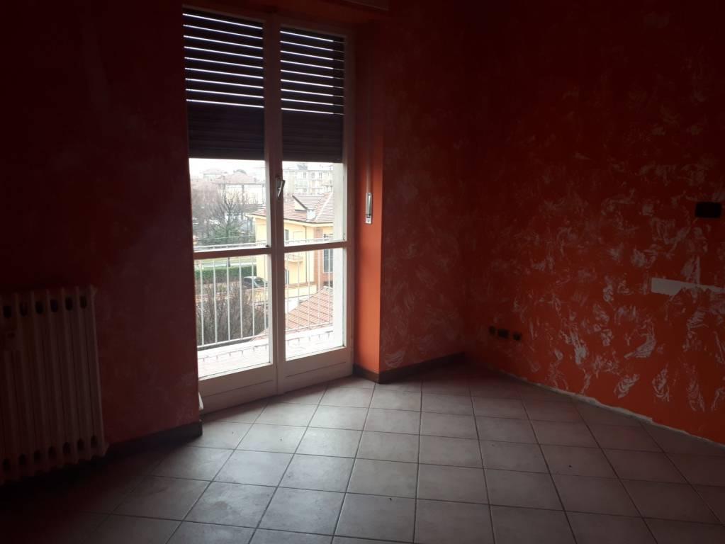 Appartamento in ottime condizioni in vendita Rif. 8316753