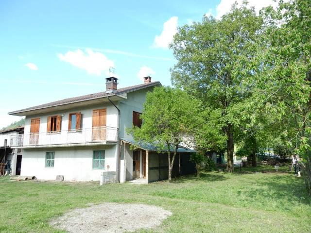 Villa in Vendita a Roccaforte Mondovì