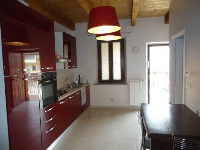 Appartamento in ottime condizioni arredato in affitto Rif. 6551913