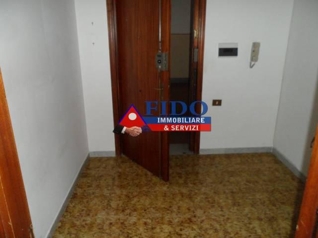 Appartamento in buone condizioni in affitto Rif. 6551752