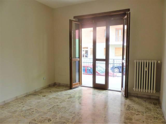 Appartamento in ottime condizioni in vendita Rif. 6557398