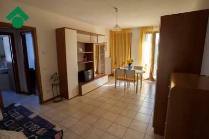 Appartamento in buone condizioni arredato in vendita Rif. 9144161