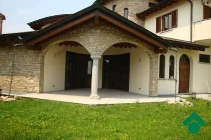 Villa in ottime condizioni in vendita Rif. 9153773