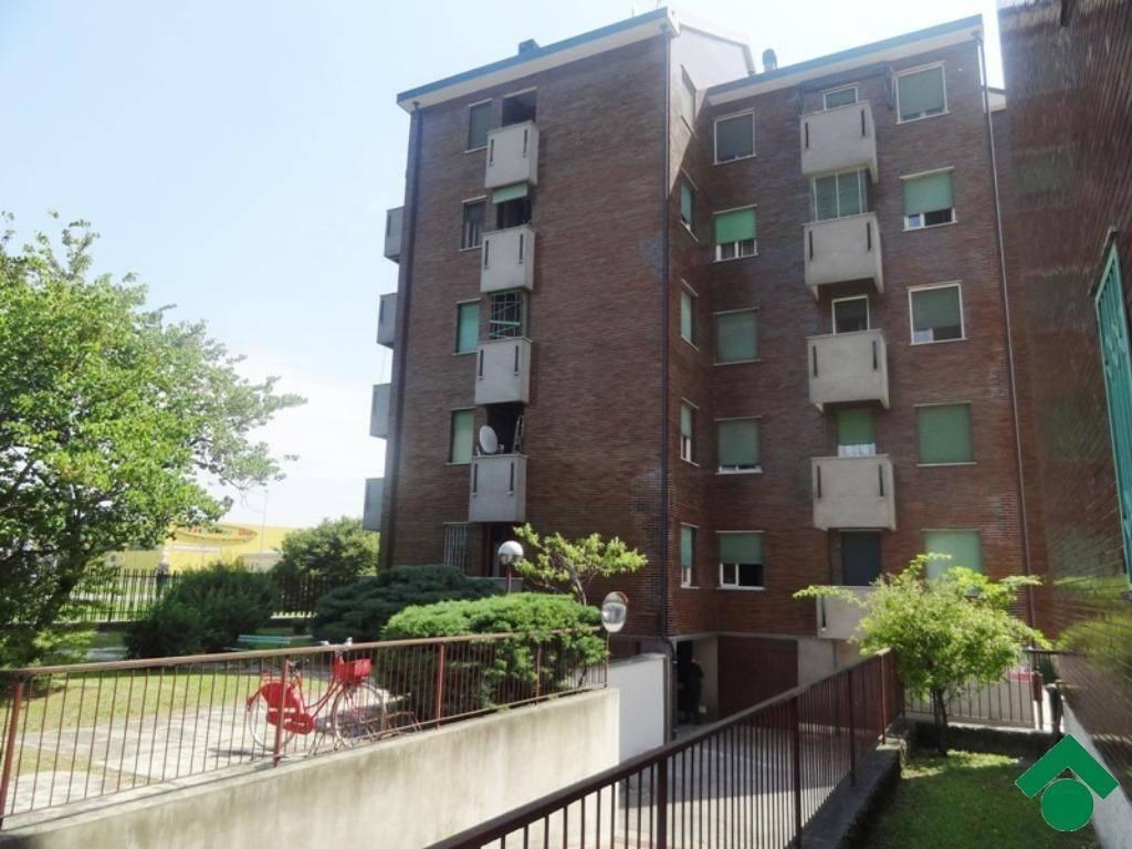 Appartamento in ottime condizioni in vendita Rif. 9153793