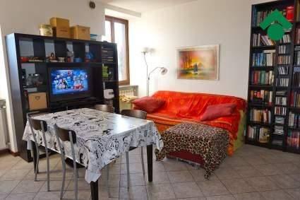 Appartamento in buone condizioni parzialmente arredato in vendita Rif. 9150125