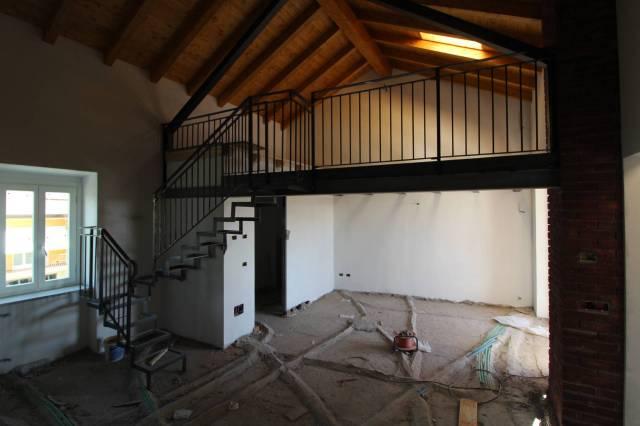Appartamento in ottime condizioni in vendita Rif. 6290466