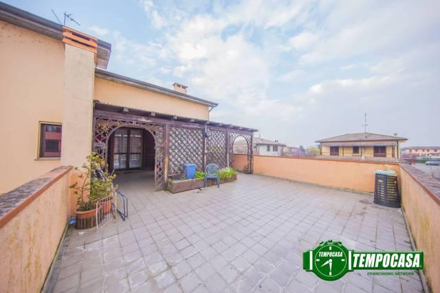 Appartamento in buone condizioni in vendita Rif. 6563357