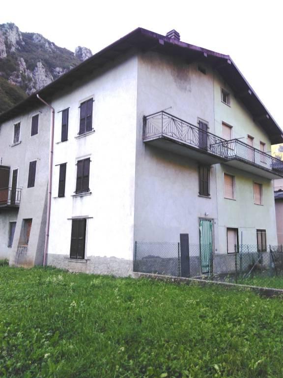 Appartamento in vendita a Lenna, 3 locali, prezzo € 58.000 | CambioCasa.it