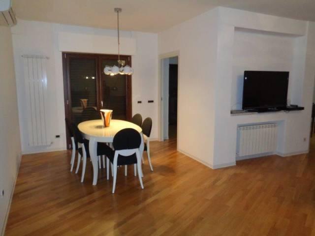 Appartamento in ottime condizioni parzialmente arredato in vendita Rif. 6563794