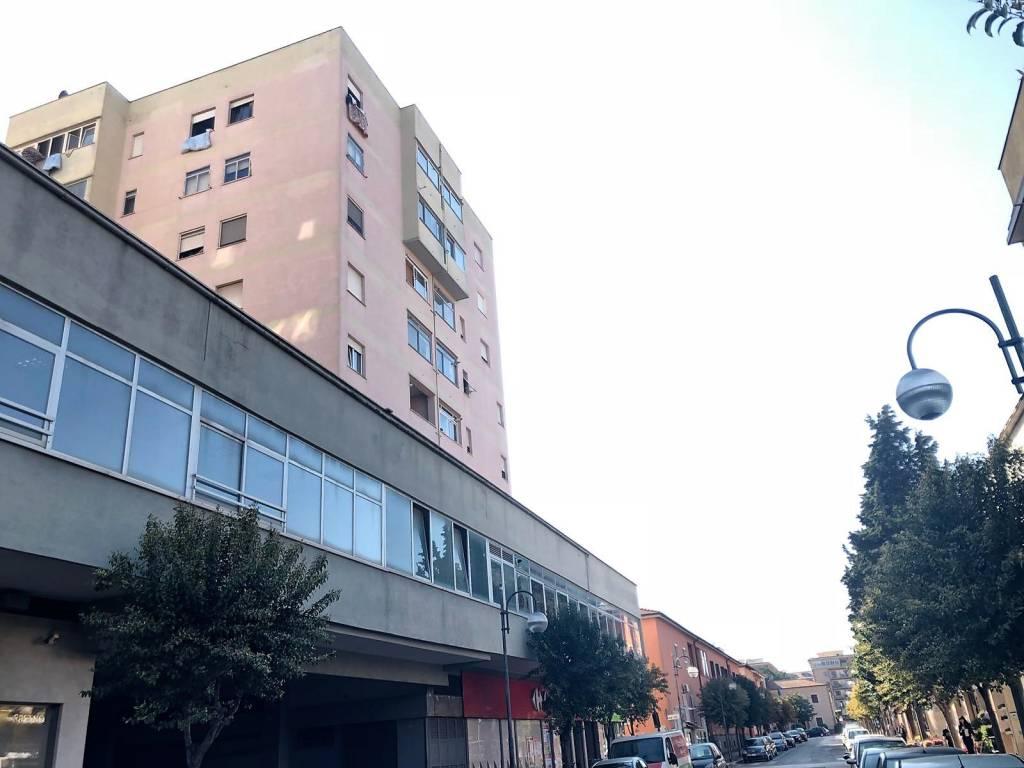 Appartamento in ottime condizioni in vendita Rif. 7362583