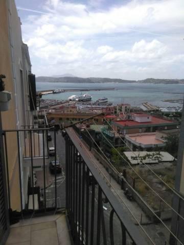 Appartamento in buone condizioni arredato in affitto Rif. 6569969
