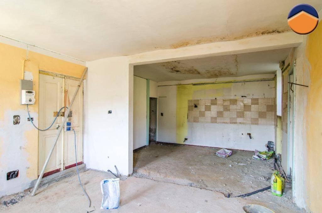 Rustico / Casale da ristrutturare in vendita Rif. 9154563