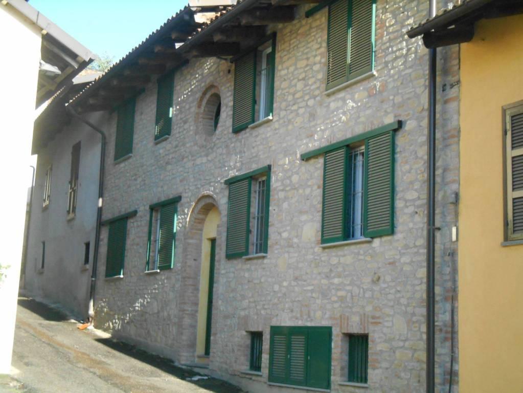 Appartamento in affitto a Diano d'Alba, 3 locali, prezzo € 400 | CambioCasa.it