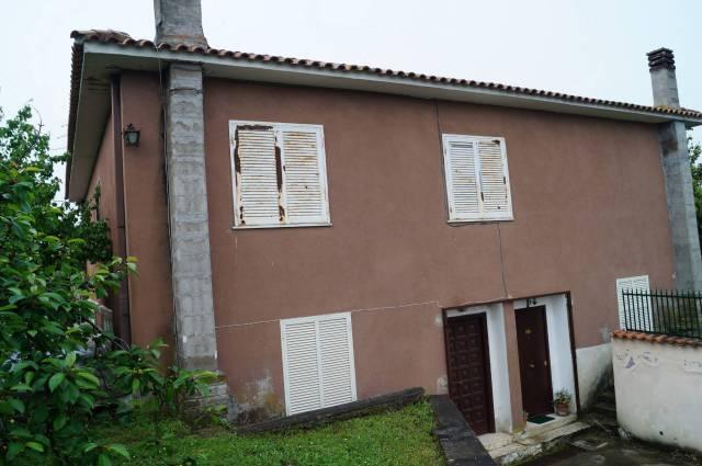 Appartamento in buone condizioni in vendita Rif. 6568136