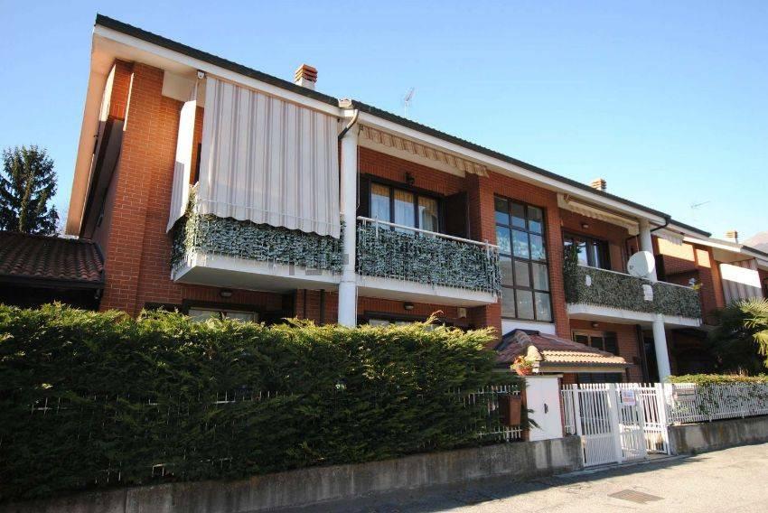 Appartamento in buone condizioni in vendita Rif. 6570678