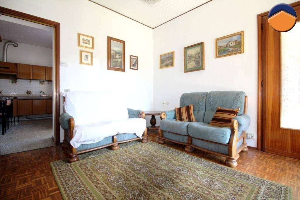 Casa Indipendente in buone condizioni in vendita Rif. 9158617