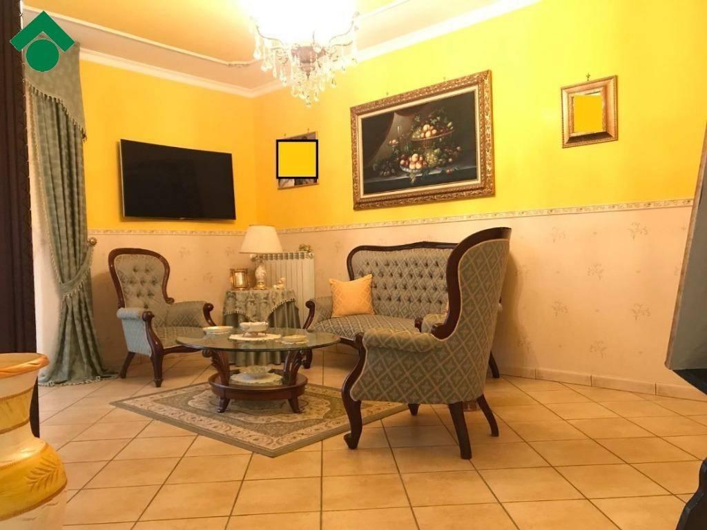 Appartamento in ottime condizioni in vendita Rif. 9226314