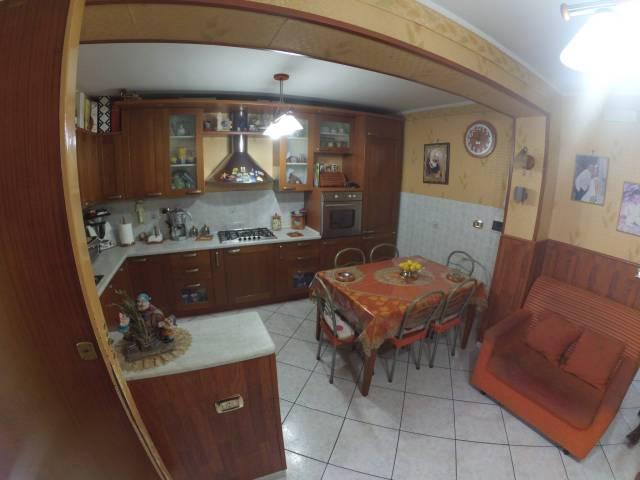 Appartamento in buone condizioni in vendita Rif. 6566096