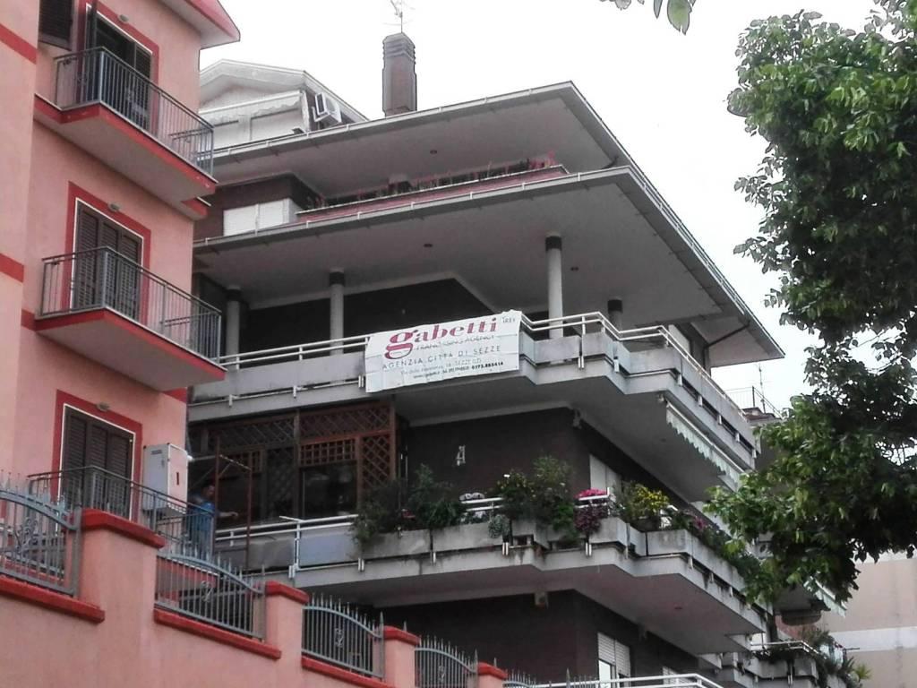 Appartamento da ristrutturare in vendita Rif. 6566135