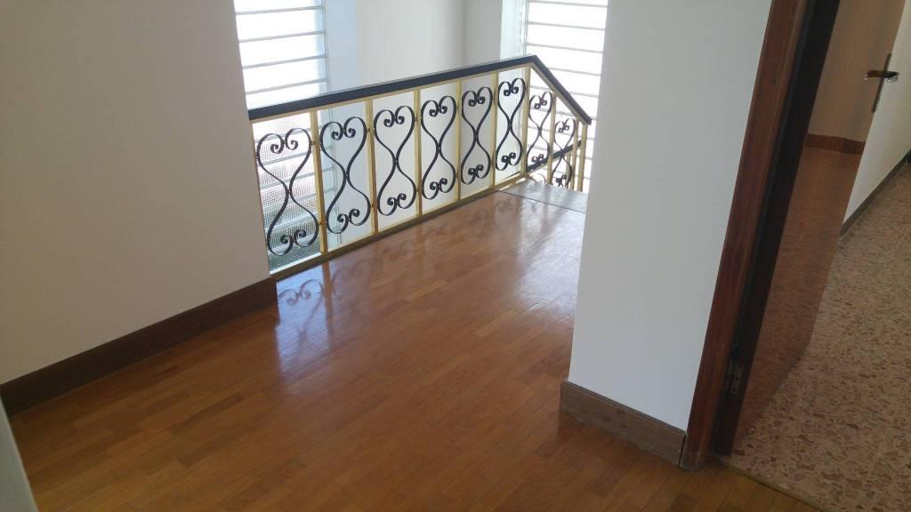Casa Indipendente in buone condizioni in vendita Rif. 8997765