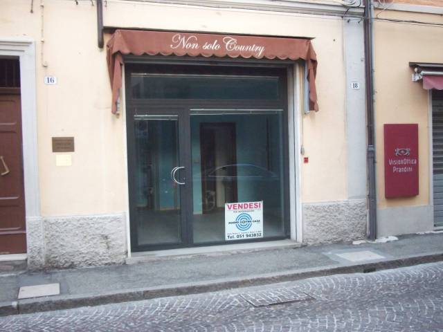 Negozio / Locale in Vendita a Castel San Pietro Terme