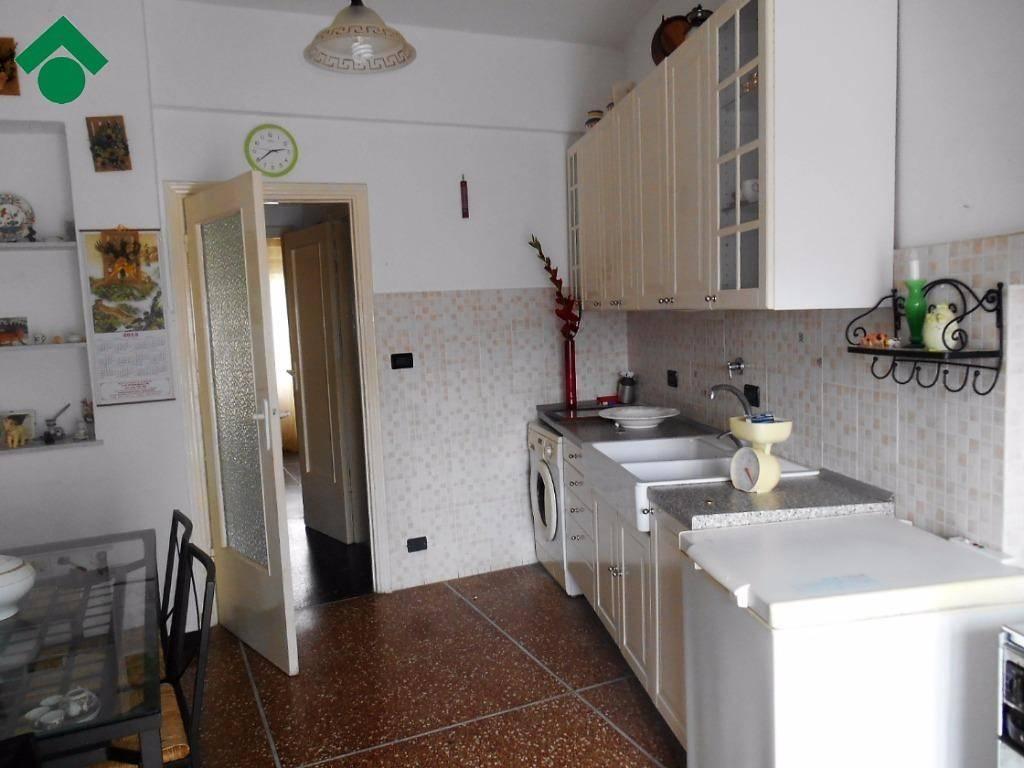 Appartamento in buone condizioni in vendita Rif. 9157358