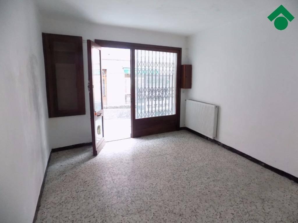 Appartamento in buone condizioni in vendita Rif. 9159293